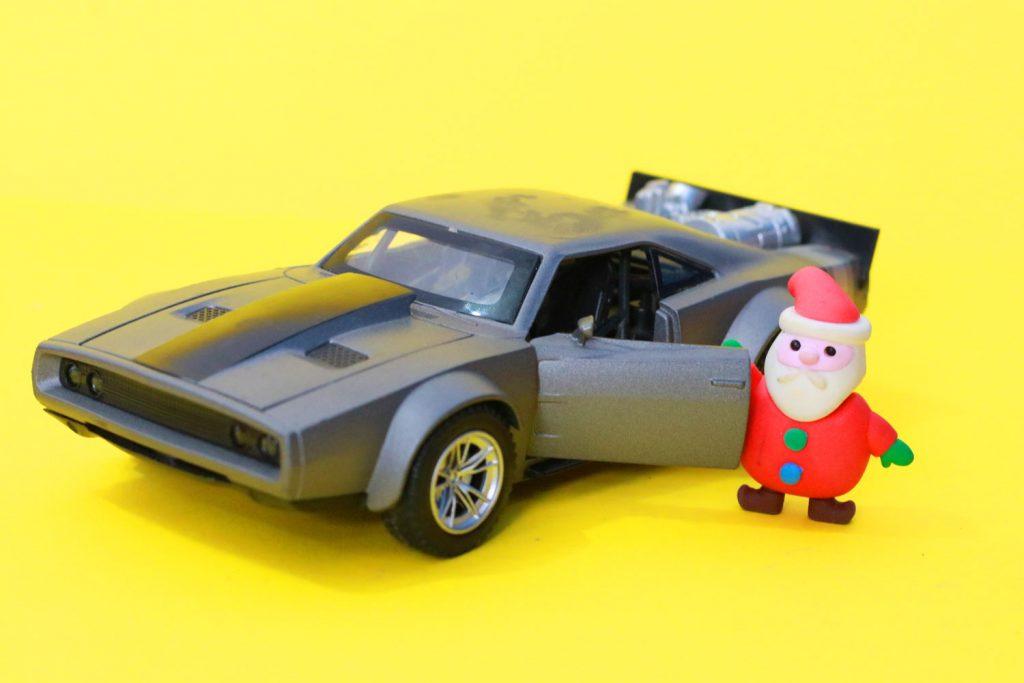 Santa Claus mustang car